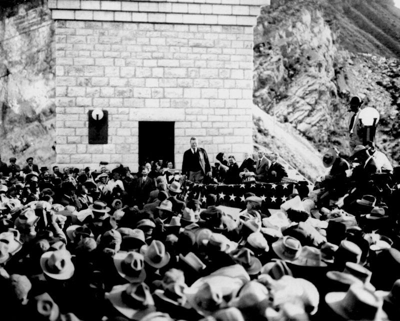 Roosevelt_dam_1911