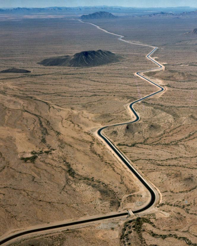 Arizona_cap_canal